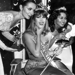 Carmen Josefina Leon Crespo Miss World
